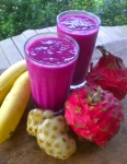 Banana, dragonfruit, noni smoothie